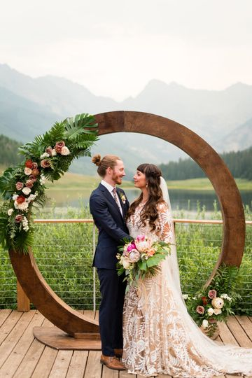 Round floral arch