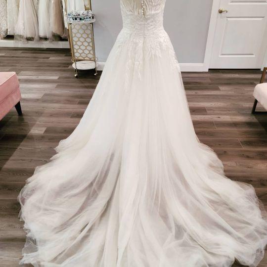 Wedding dress train