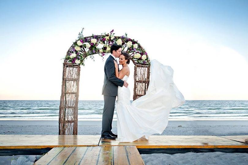 800x800 1418497507200 bride and groom married on the beach