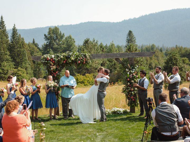 Tmx 8y2a1337 51 1909689 159665225197413 Woodinville, WA wedding florist
