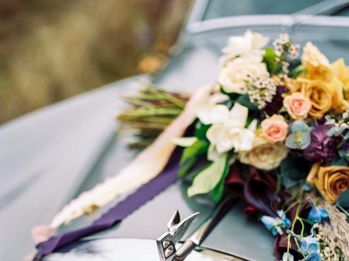 Tmx Akp Bonnieclyde 1003 51 1909689 159665532085419 Woodinville, WA wedding florist