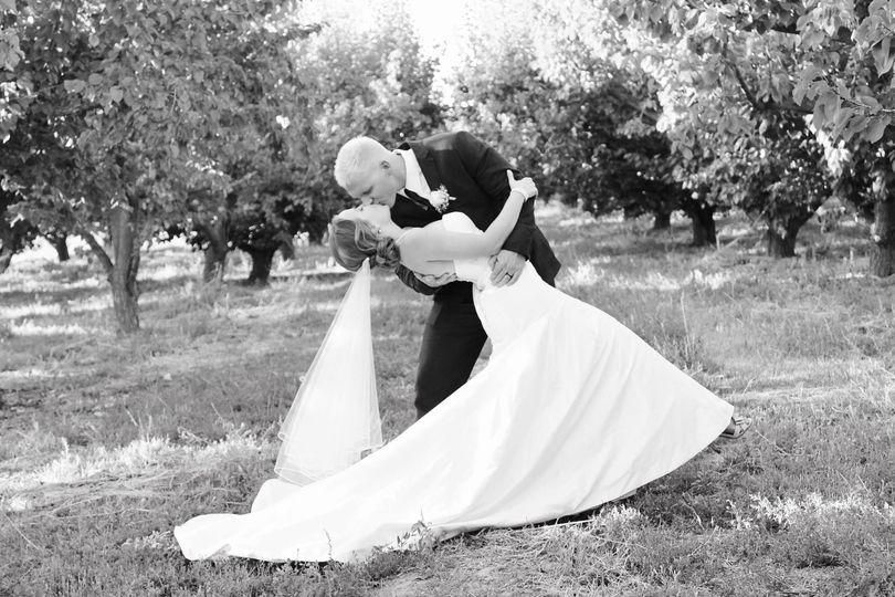 b19b90ffad030046 wedding