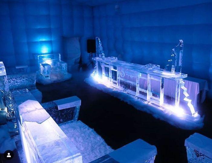 Ice sculpture lounge