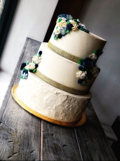 tier navy floral gold ribbon cake 51 1883789 1570736780