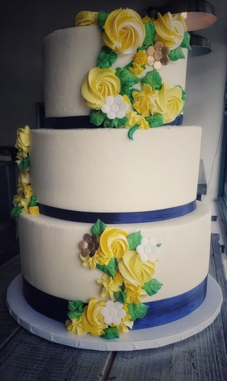 3-tier yellow floral cake