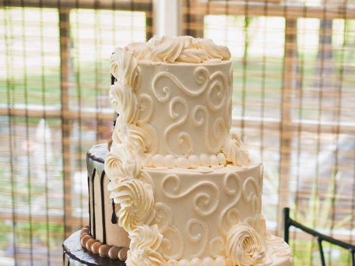 Tmx 1534687614 A421fbcdad6acb9a 1534687610 9e211a33ec71f3d0 1534687606389 9 Fullsizeoutput 4a Cary, North Carolina wedding cake