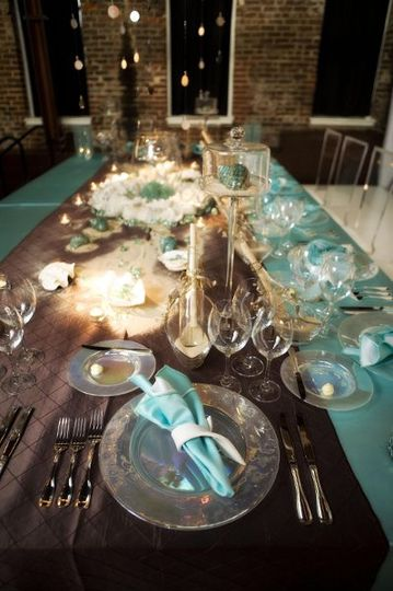 Mocha pintuck runners over turquoise satin with turquoise satin napkins.