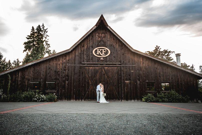 bride groom 67 1 51 440889 158769808676486