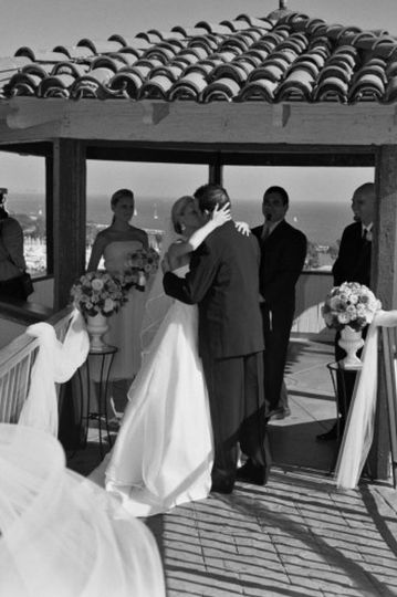 Newly weds share their first kiss