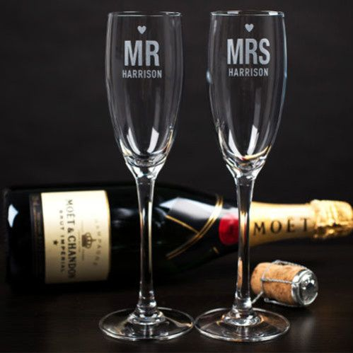 0006957personalised mr and mrs engraved wine glass