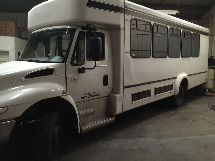 Tmx Img 2241 51 1044889 Lansing, MI wedding transportation