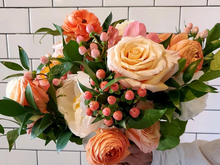 Tmx B9c10086 A79a 4ee2 B5c1 Db8dae3b9942 51 1986889 159915527678971 Grand Rapids, MI wedding florist