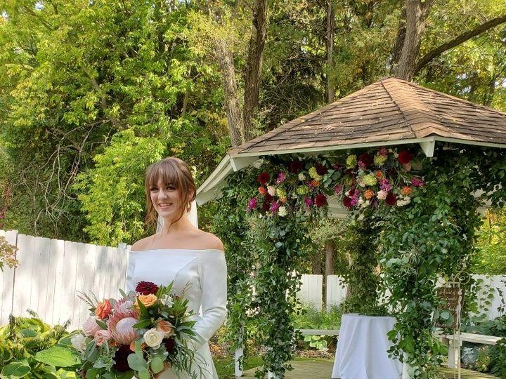 Tmx Img 7549 51 1986889 160132886225474 Grand Rapids, MI wedding florist