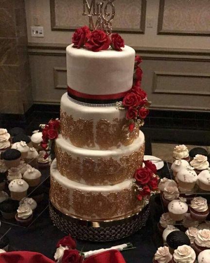 4 layer wedding cake