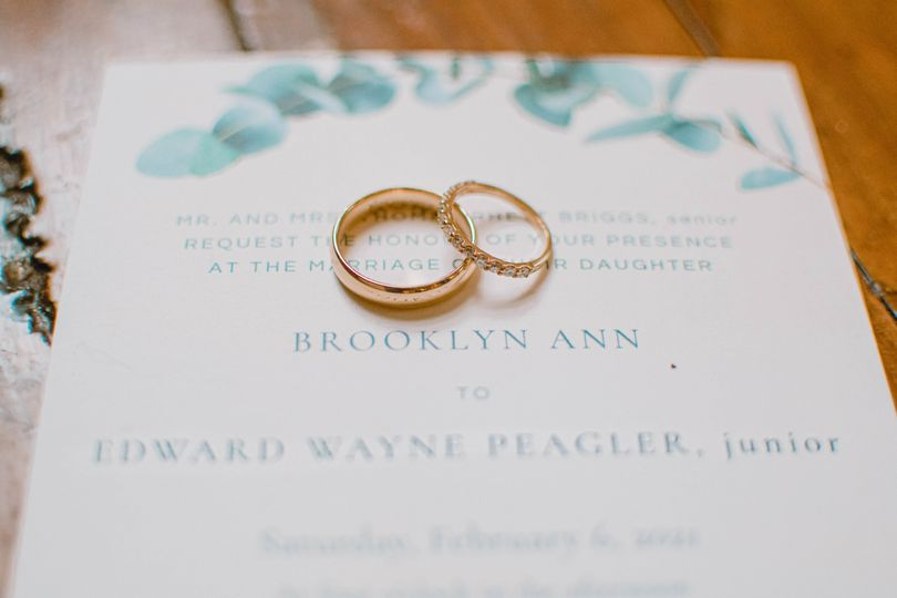 Wedding bands and invitation