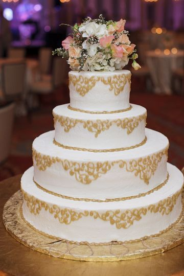 Elegant 800x800 1440259957369 Belize Wedding Cake; 800x800 1440259910547  11713917101557232558900348397553152838396011o ...