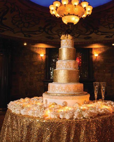 golden dust wedding cake