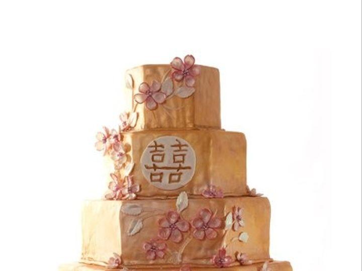 Tmx 1440259652561 600x6001354231143139 Vintagegoldcakestand001 Metairie wedding cake