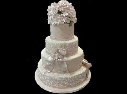 Tmx 1440263246351 White Fondant Cake Dots And Bow Metairie wedding cake