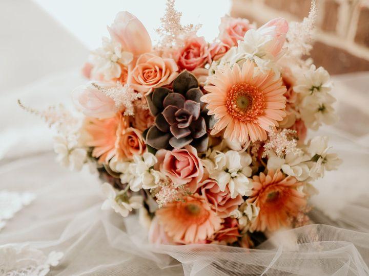 Tmx 105897486 1213129225691833 1345069121397039570 O 51 82989 160244999196627 Maryville wedding florist