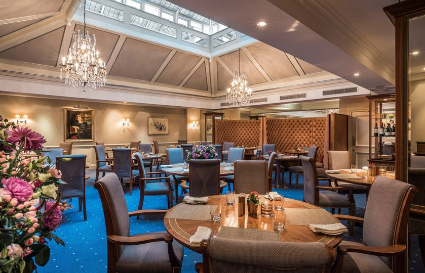 sloane club dining 297 51 1071099 1560173301