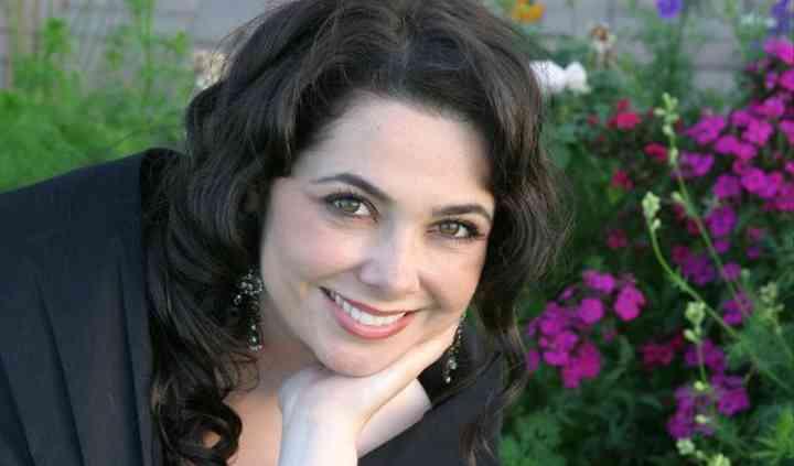 Amy Price Sharon - Soprano