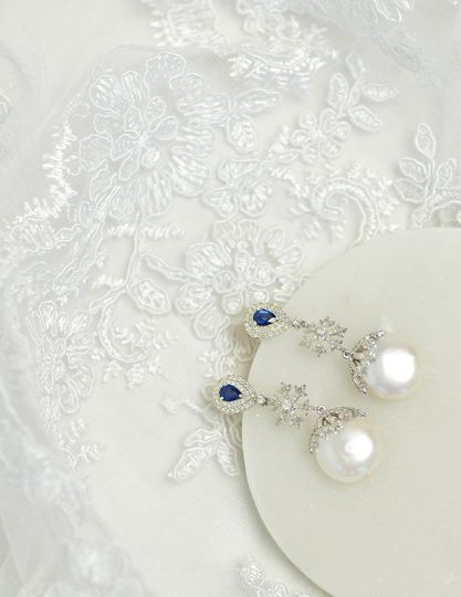 Pearl, sapphire and diamonds
