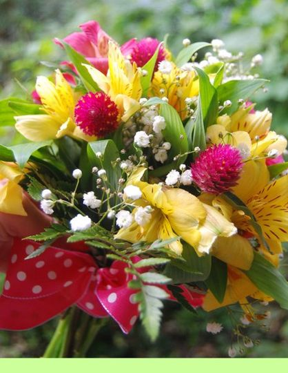 Spring bouquet in polka dots.