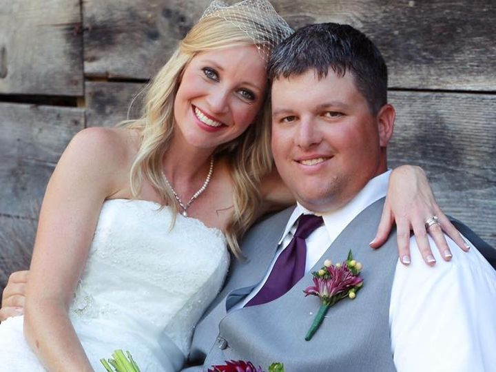 Tmx 1485535769778 1456818012773307456108155534305615103784400n Asheville, North Carolina wedding beauty