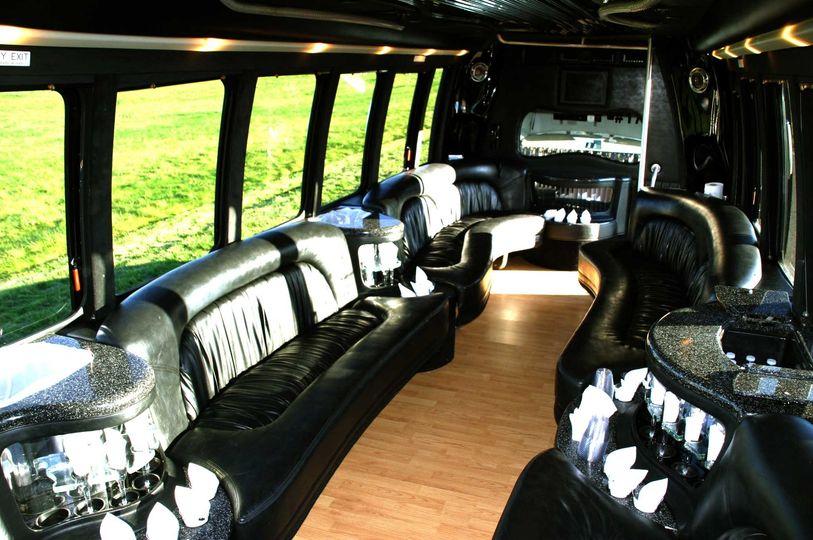bus17interior2