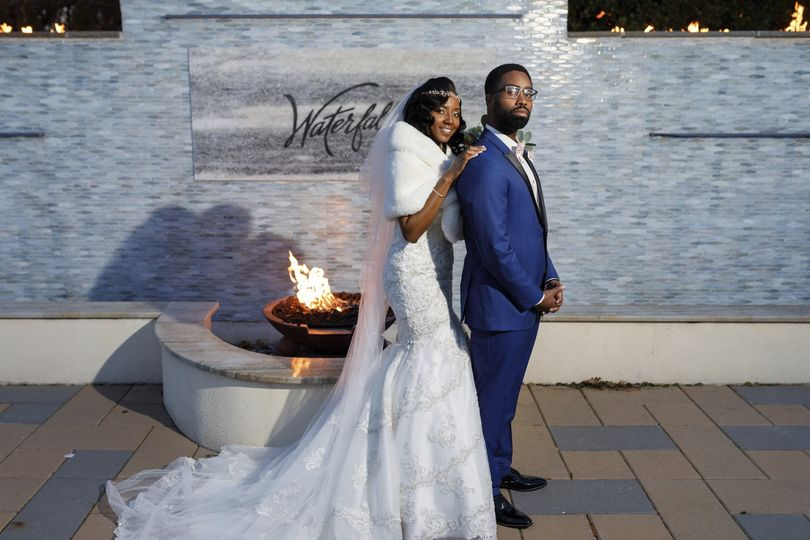 the waterfall catering wedding karissagraylin livingston lee photography 340 51 641199 1572045139