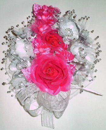 Silk flowers prom wrist corsage