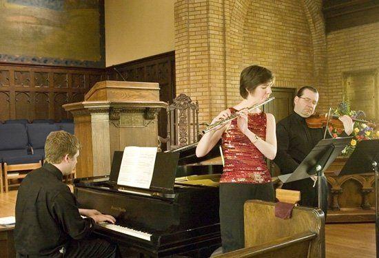 Flute and violin-Vivaldi duo.