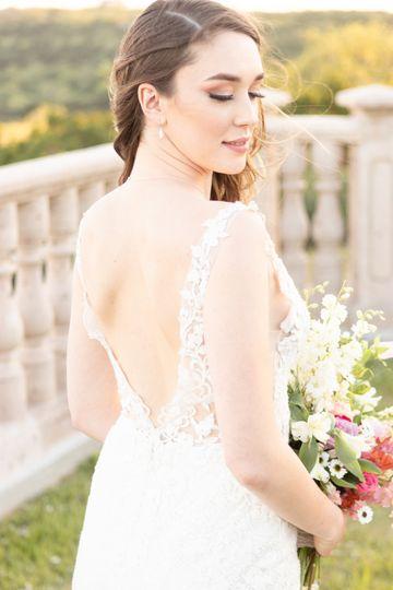Soft bride glam