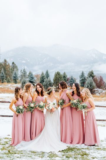 Bridesmaids in Dusty Rose