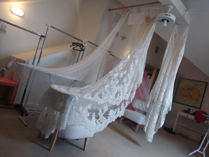 Gown train veil