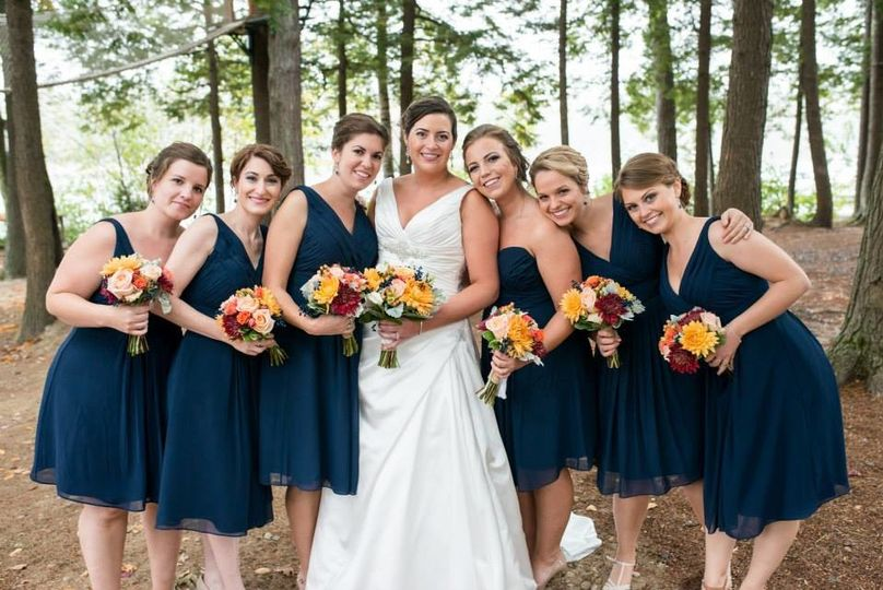 dannah with bridesmaids