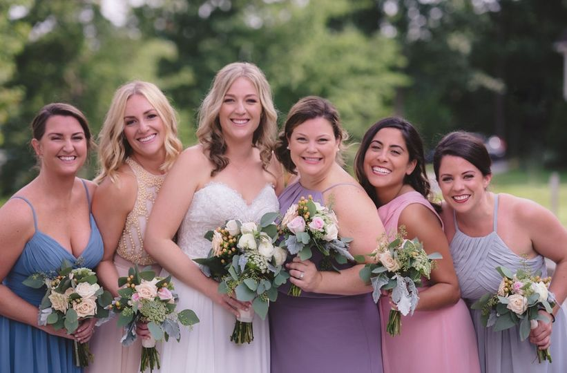 tori and bridesmaids outside 51 992299