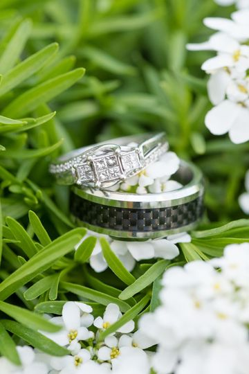 Ring shot in the flowers