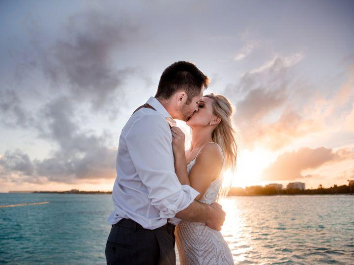 Tmx Kasiecalvindrwedfavs501 51 168299 159968302772797 Des Moines, IA wedding photography