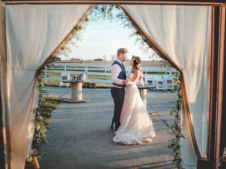 Tmx Paigeblakefavs222 51 168299 159968274153333 Des Moines, IA wedding photography