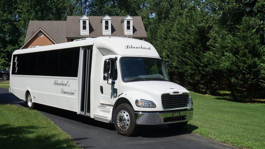 30 passanger limo bus