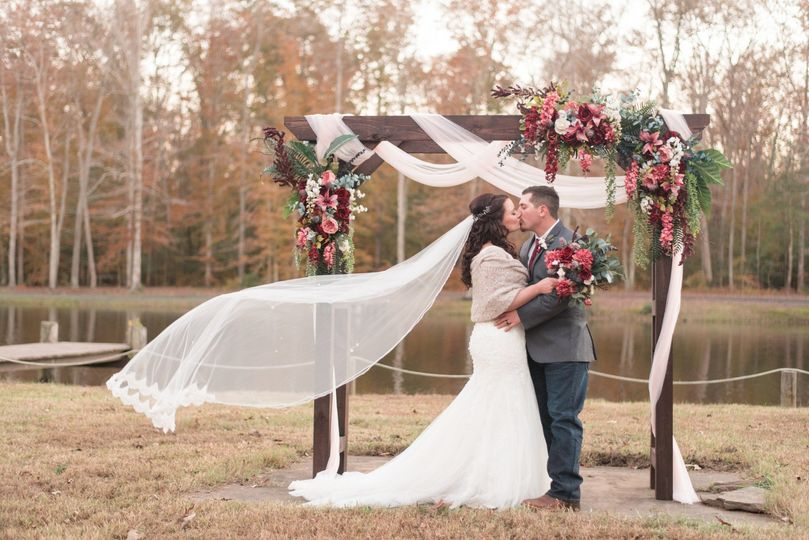 brook and hunter married 1477 51 1063399 1556715184