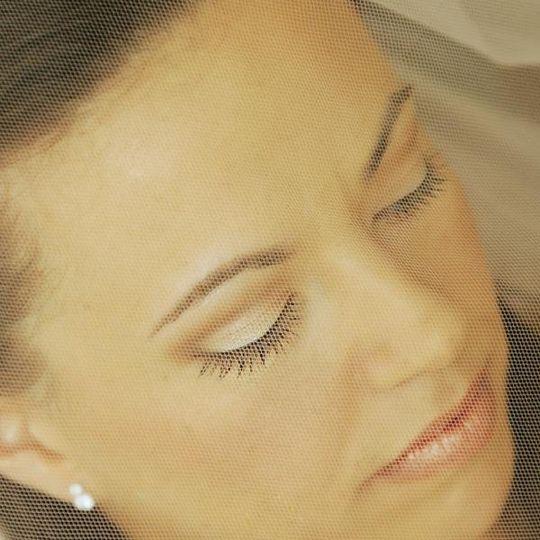 Airbrush makeup, eyelash extensions