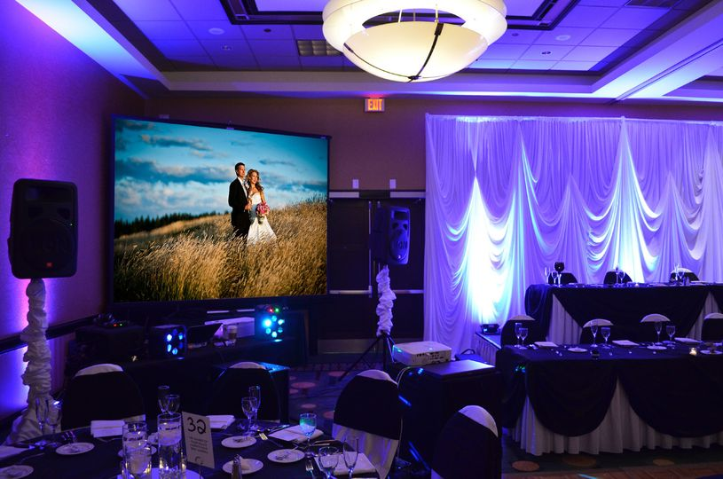 projector screen uplighting by endless entertainme