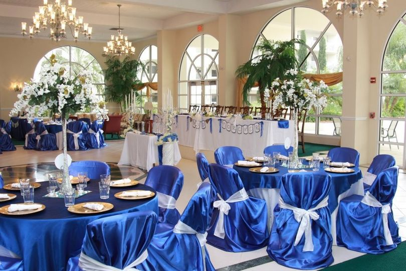 Collins Wedding Creation planned, designed, and made this a Wedding Showcase.