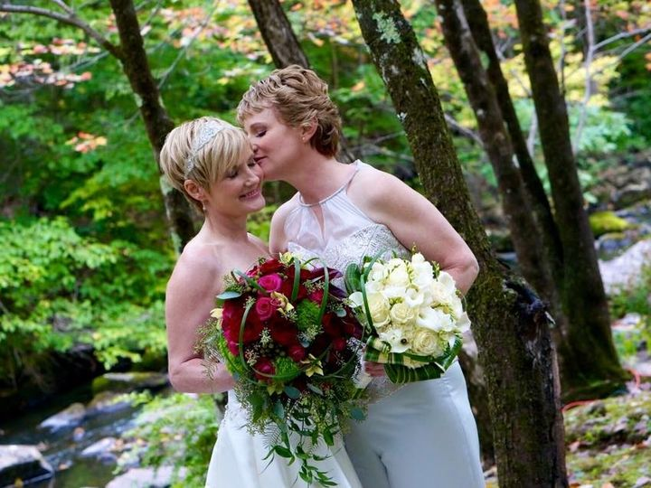 Tmx 1468952989324 1236923510167966316741733637962027639840848n New Milford, CT wedding florist