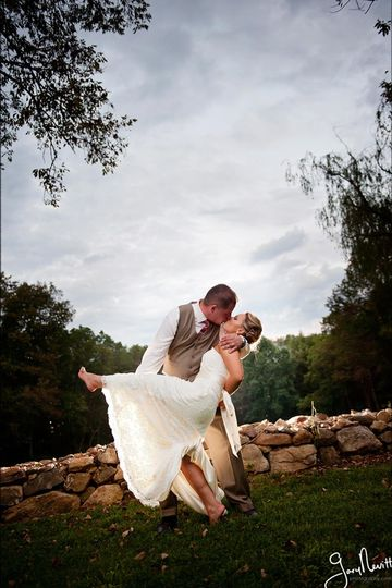 Ashton Farm: Bride - Rock Wall