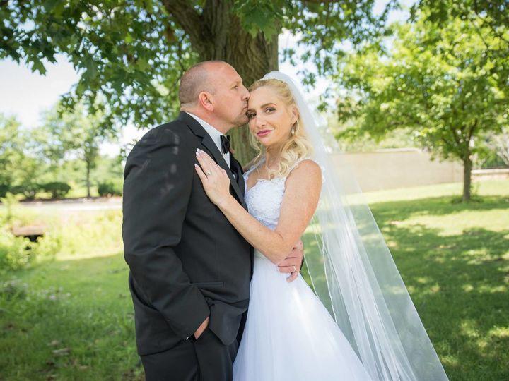 Tmx 1515182756 B8ee67a99dcaebb4 1515182754 11addce2ab9d8547 1515182754047 5 Elizabeth Pottstown, PA wedding beauty