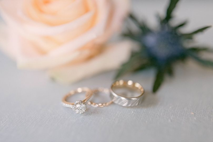Rings and flower details